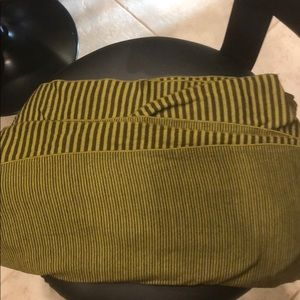 Lululemon Infiniti scarf-no tags attached